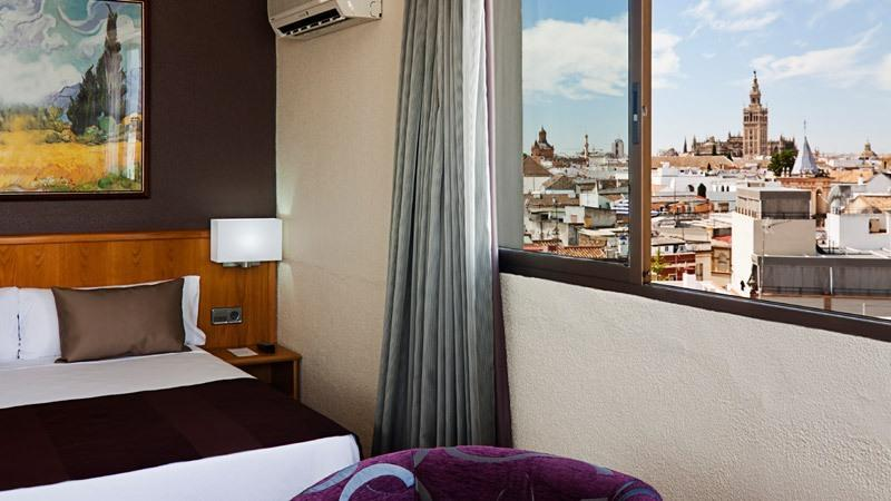 City break Sevilla Revelion 5*  2018  bilet de avion si hotel inclus