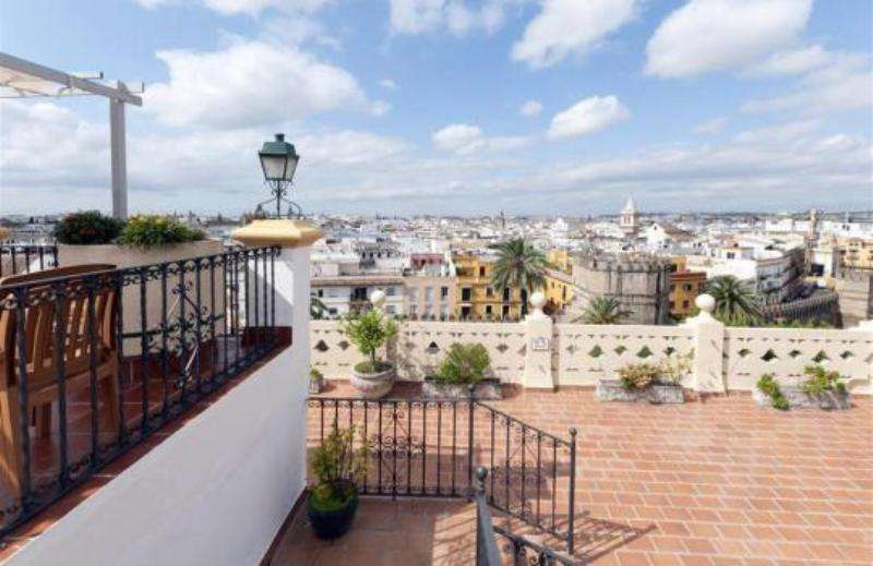 City break Sevilla septembrie bilet de avion si hotel inclus