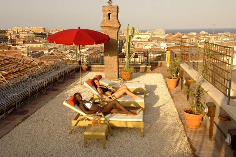 City break Sicilia Catania 2 adulti si 1 copil bilet de avion si hotel inclus