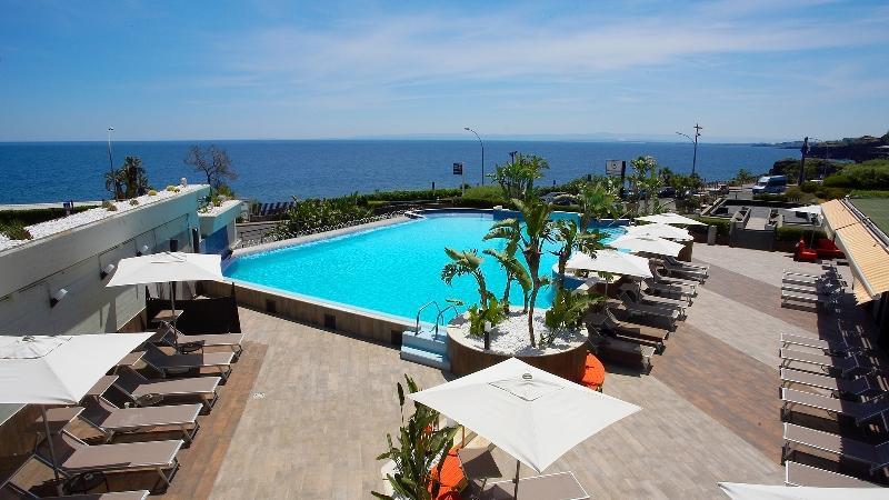 City break Sicilia Catania ianuarie 2017,  bilet de avion si hotel inclus