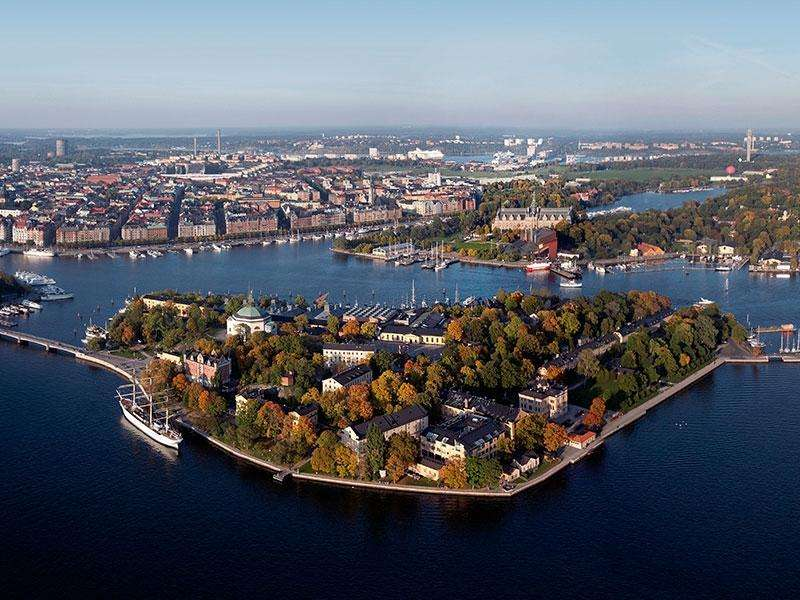 City break Stokholm weekend liber Rusalii bilet de avion si hotel inclus