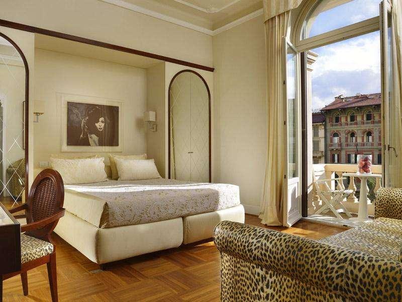 City break Toscana 3 in 1 august week-end Sf. Maria bilet de avion si hotel inclus