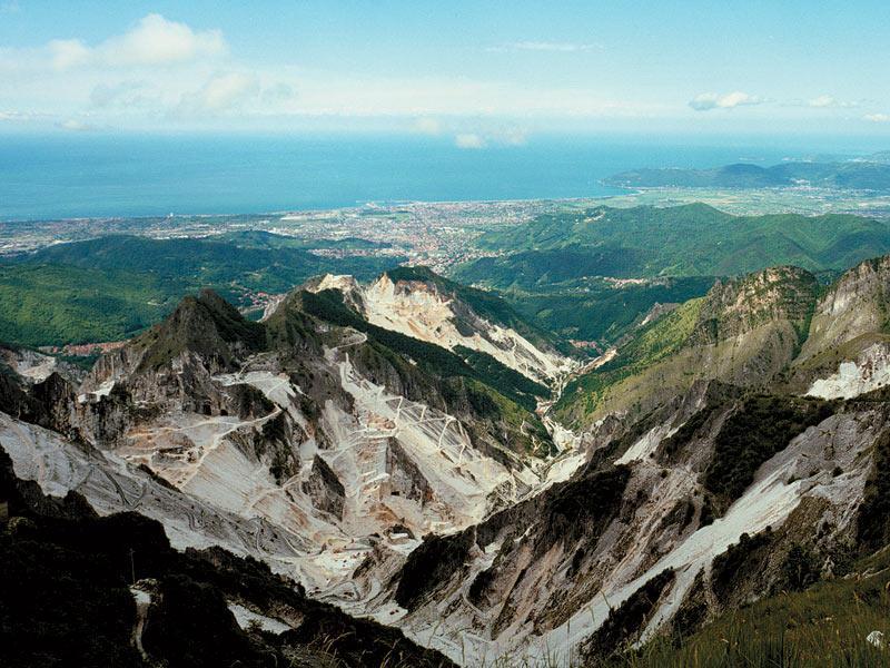 City break Toscana 3 in 1 Valentine's Day bilet de avion si hotel inclus