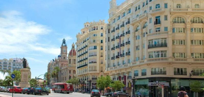 City break Valencia ianuarie 2018 bilet de avion si hotel inclus
