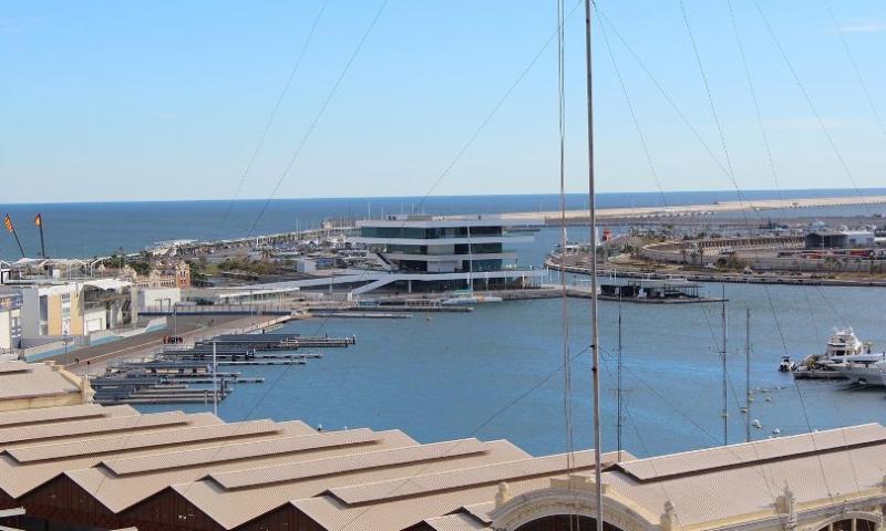 City break Valencia mai,  bilet de avion si hotel inclus