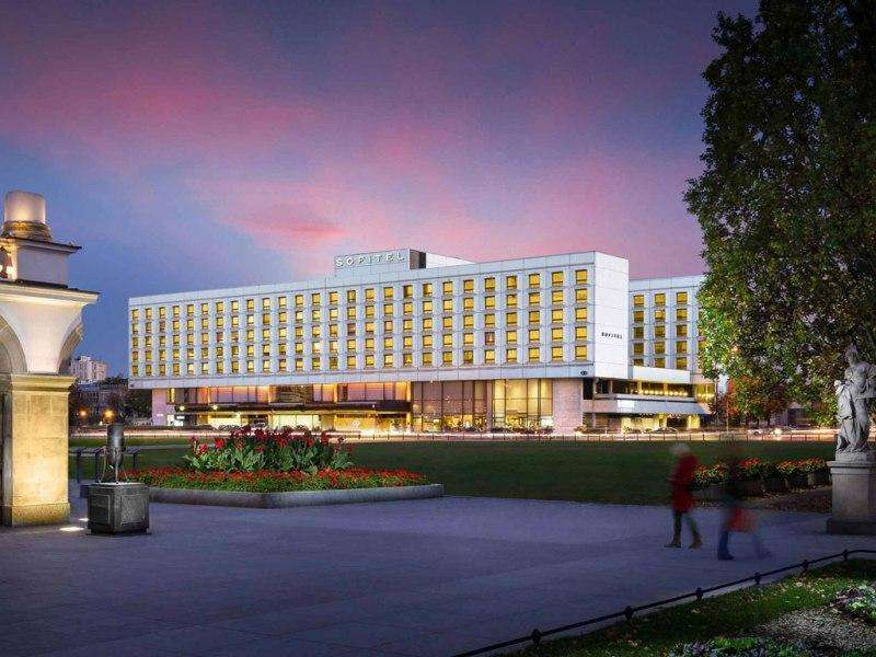 City break Varsovia octombrie  bilet de avion si hotel inclus