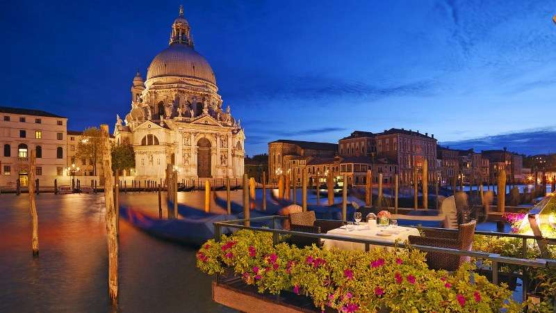 City break Venetia ianuarie 2018, bilet de avion si hotel inclus