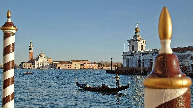 City break Venetia primavara 2018 bilet de avion si hotel inclus