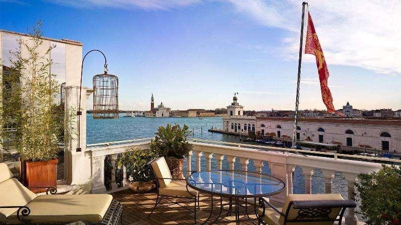 City break Venetia weekend liber Rusalii bilet de avion si hotel inclus