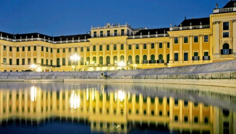 City break Viena august bilet de avion si hotel inclus