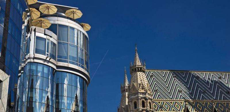 City break Viena Mos Nicolae bilet de avion si hotel inclus