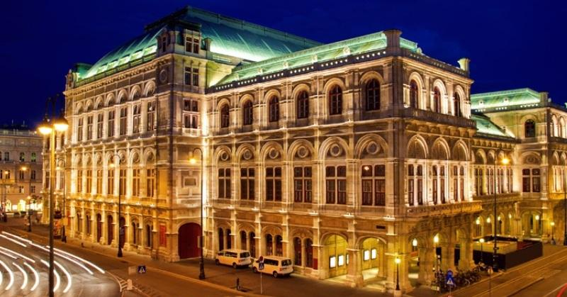 City break Viena Valentine's Day februarie avion si hotel inclus