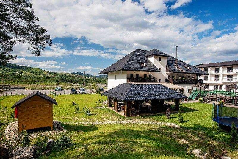 Revelion 2018 Sucevita Bucovina Complex Turistic Voievod