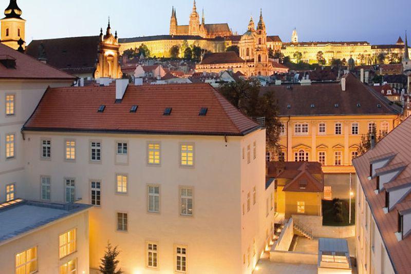 Minivacanta 1 decembrie city break Praga, tur pietonal inclus