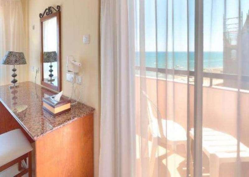 Paste 2018 Cipru Larnaca Hotel Palm Beach 4*