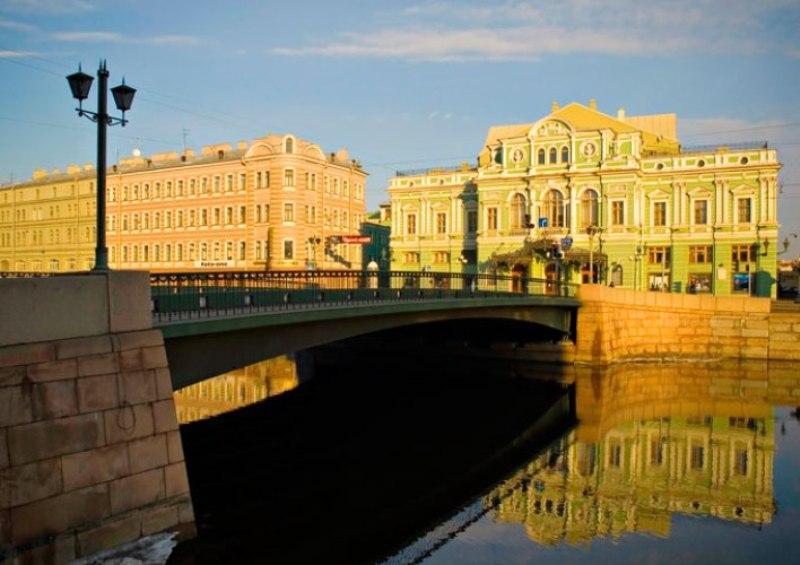 Sejur 2 in 1 Moscova si Sankt Petersburg martie 2018 bilet de avion si hotel inclus