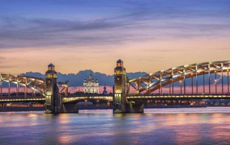 Sejur 2 in 1 Moscova si Sankt Petersburg septembrie bilet de avion si hotel inclus