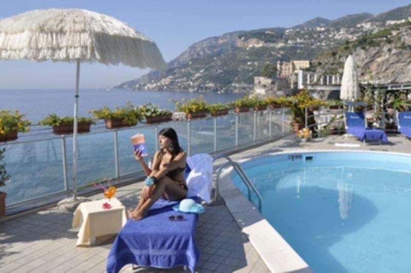 Sejur avion Coasta Amalfi Italia 2017 oferta Grand Hotel President 4*