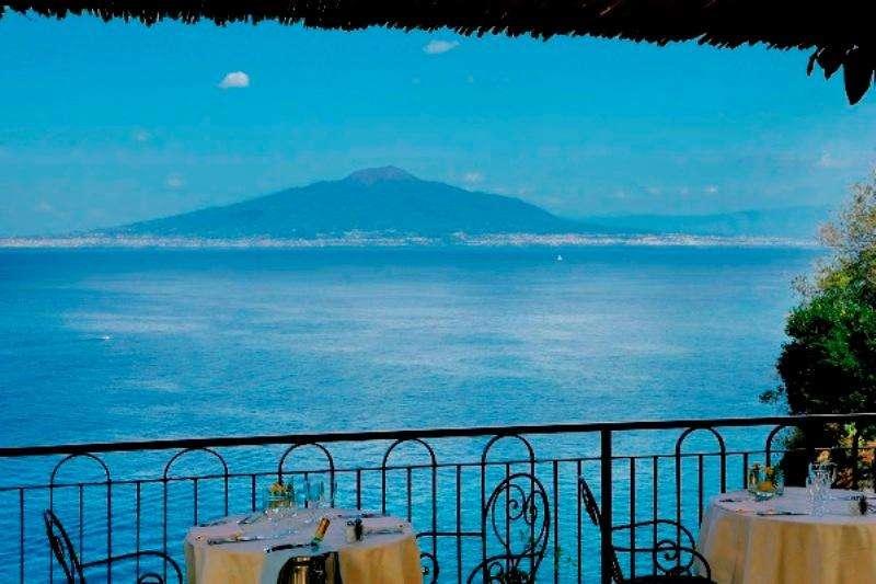 Sejur avion Coasta Amalfi Italia 2017 oferta Hilton Sorrento Palace  4*