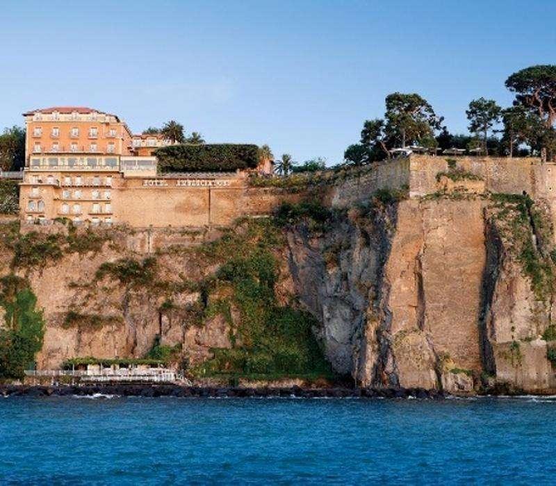 Sejur avion Coasta Amalfi Italia 2018 oferta Hotel Del Corso 3*