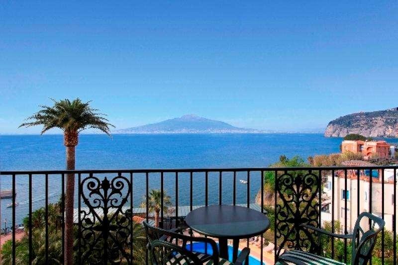 Sejur avion Coasta Amalfi Italia 2017 oferta Hotel Miramalfi 4*