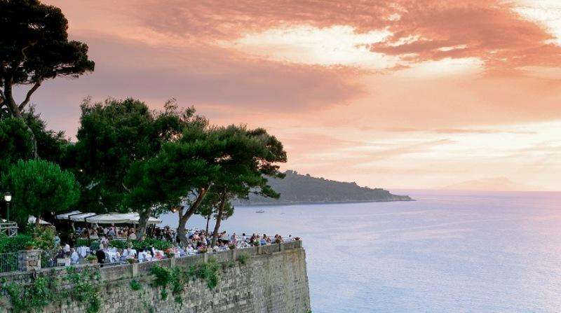 Sejur avion Coasta Amalfi Italia 2017 oferta Hotel Mignon 2*