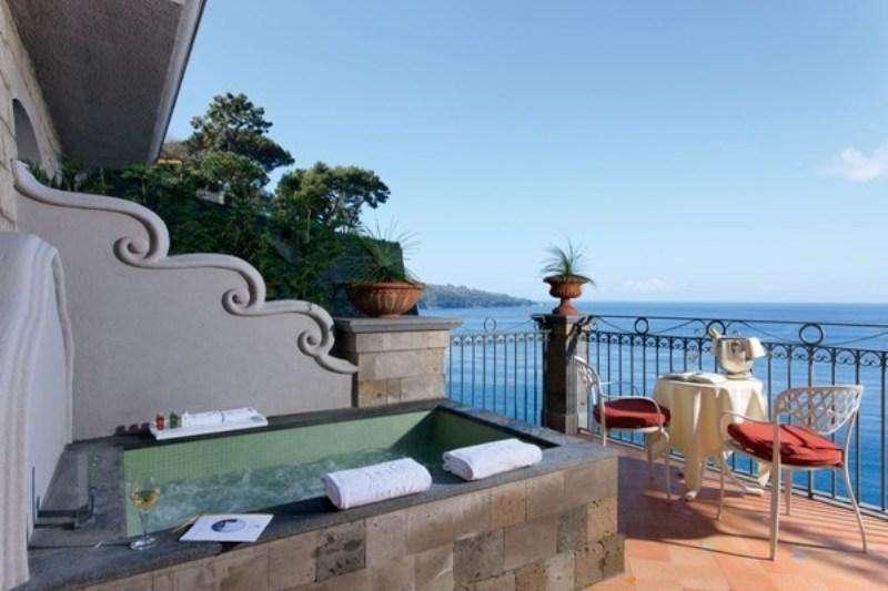 Sejur avion Coasta Amalfi Italia 2017 oferta Hotel Piccolo Paradiso 3*