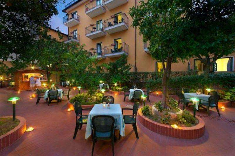 Sejur avion Coasta Amalfi Italia 2018 oferta Hotel Villa Maria 3*