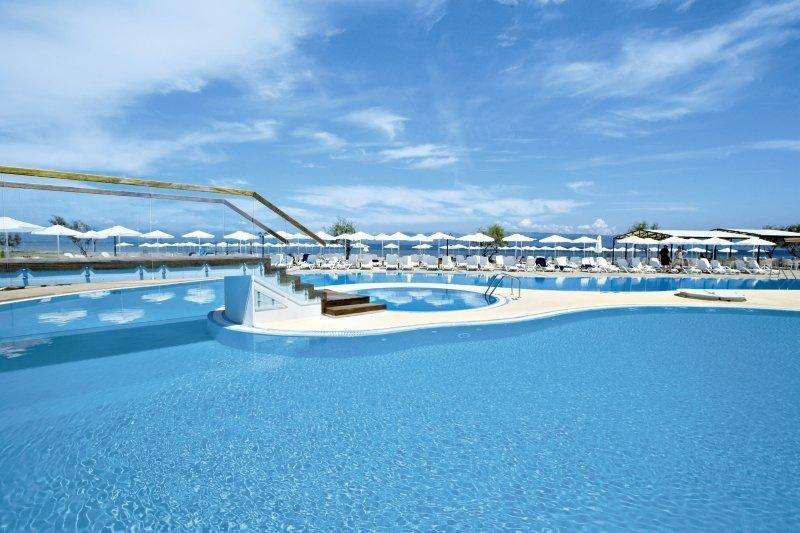 Sejur avion Corfu Grecia 2018 oferta Hotel Akrotiri 4*