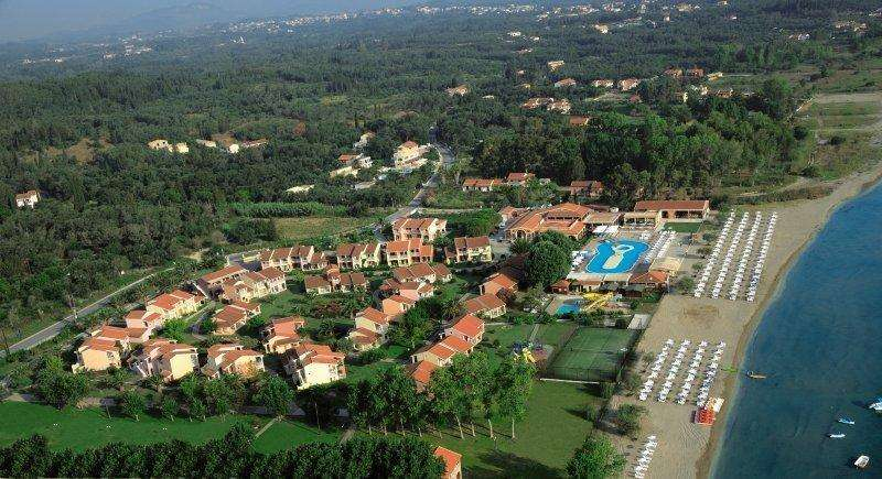 Sejur avion Corfu Grecia 2017 oferta Hotel Ariti 4*