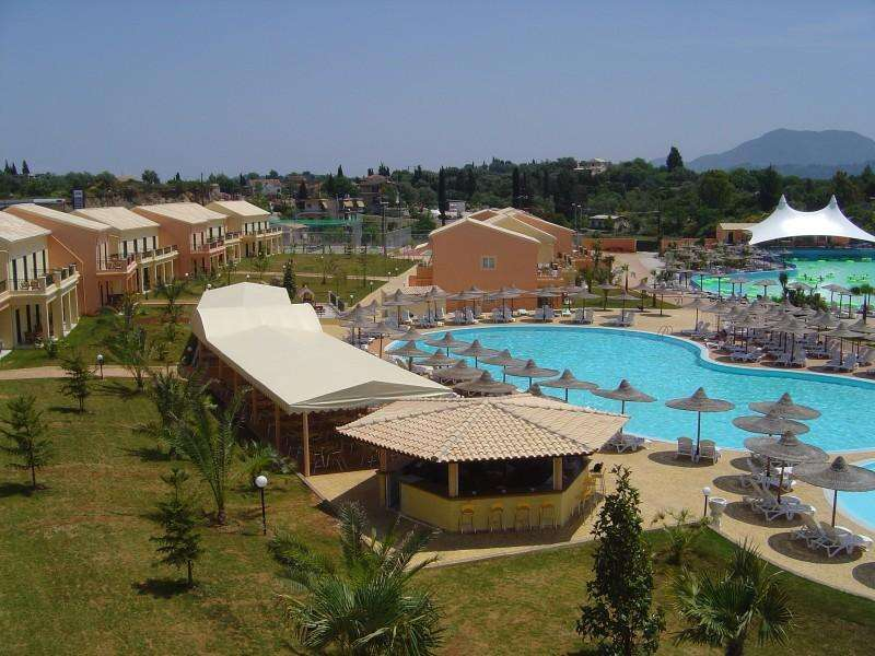 Sejur avion Corfu Grecia 2017 oferta Hotel Hellinis 3*