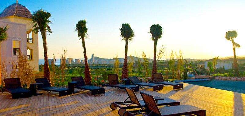 Sejur avion Costa Blanca 2017 oferta Hotel Marconfort Benidorm Suites 4*