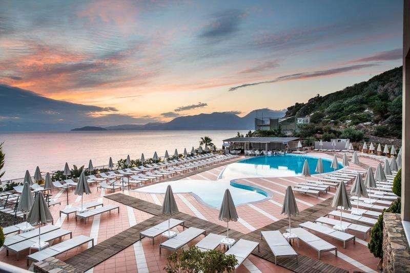 Sejur avion Creta Grecia 2017 oferta Hotel Hersonissos Village & Bungalows