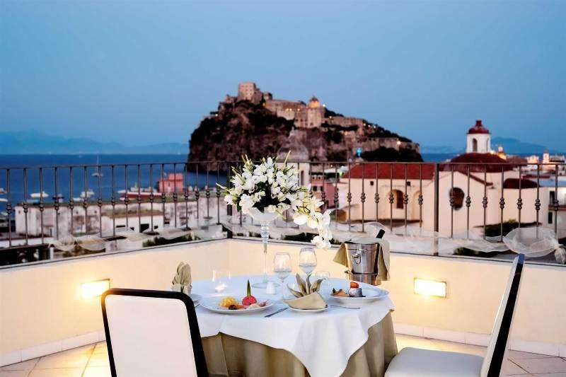 Sejur avion insula ISCHIA Italia 2017 oferta Hotel Parco Aurora 4*