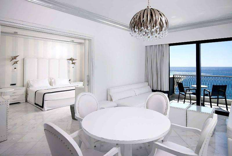 Sejur avion Insula Rhodos Grecia avion 2017 oferta Pegasos Beach 4*