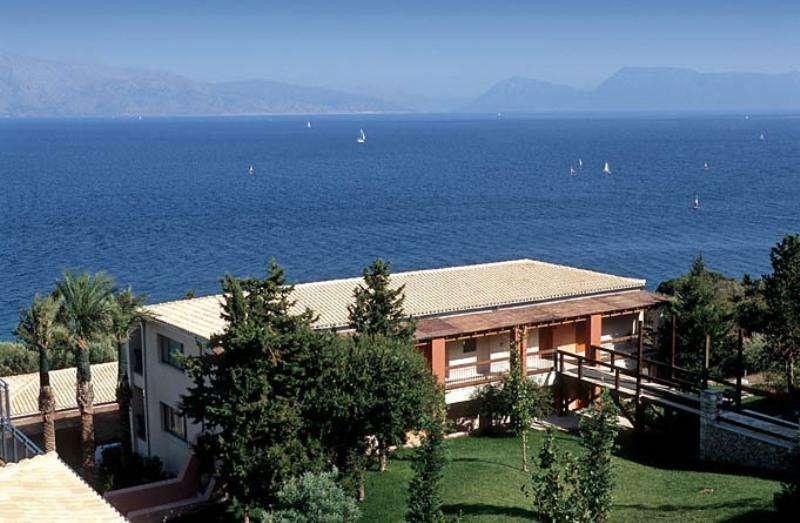 Sejur avion Lefkada Grecia 2017 oferta Vila Nidri Beach Port self catering