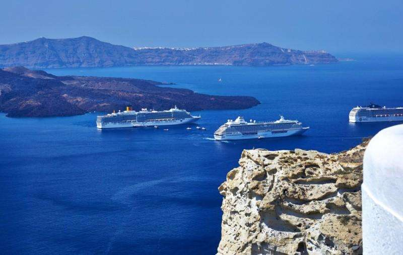 Sejur avion Santorini Grecia 2018 oferta Hotel ANDREAS 3*