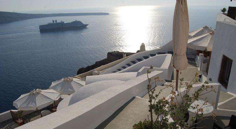 Sejur avion Santorini Grecia 2018 oferta Hotel Kastelli Resort 5*
