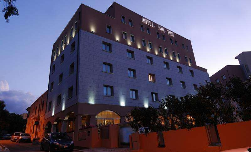 Sejur avion Sardinia Italia 2017 oferta Hotel Catalunya 4*
