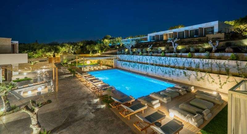 Sejur avion Zakynthos Grecia 2018 oferta Hotel CARAVEL SUITES 5*