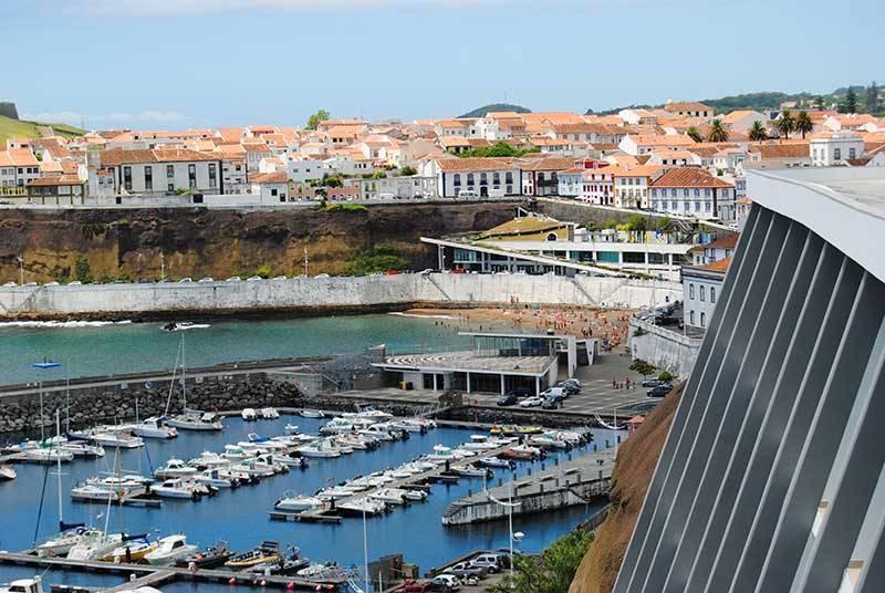 Sejur Azore luna iunie bilet de avion si hotel inclus