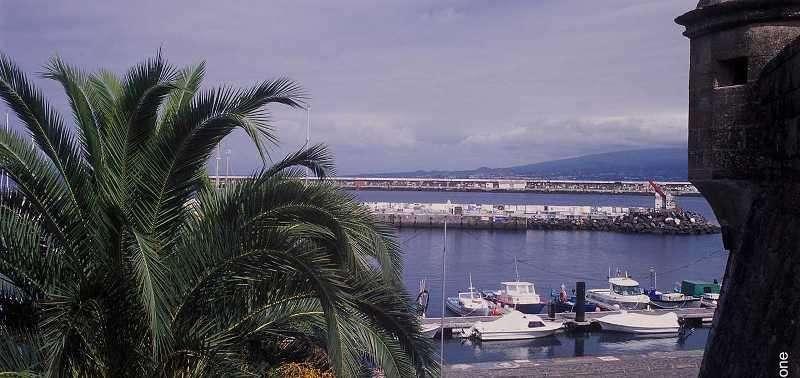 Sejur Azore septembrie bilet de avion si hotel inclus