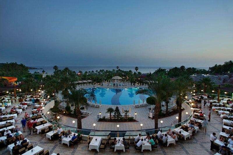 Sejur Charter Alanya septembrie bilet de avion si hotel inclus