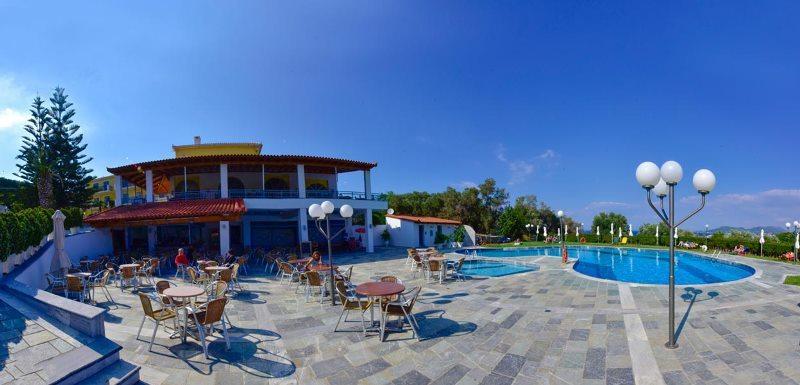 Sejur Charter Insula Samos Hotel Zefiros Beach 3*