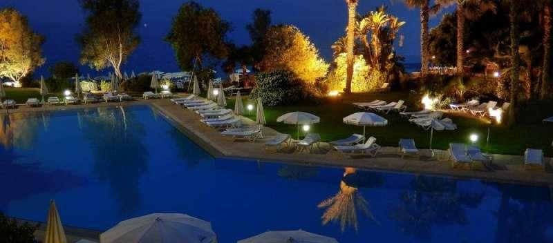 Sejur Cipru Ayia Napa august bilet de avion si hotel inclus