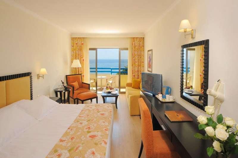 Sejur Cipru Limassol august bilet de avion si hotel inclus