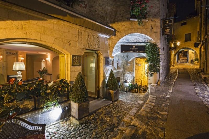 Sejur Coasta de Azur Nisa septembrie bilet de avion si hotel inclus