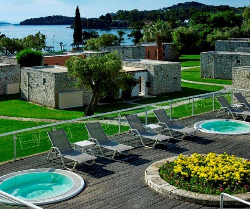 Sejur avion charter Corfu Grecia 2018 oferta Hotel Ariti 4* - Demipensiune