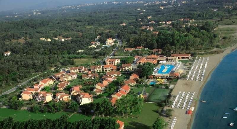 Sejur avion Corfu Grecia 2017 oferta Hotel Corfu Holiday Palace 5*