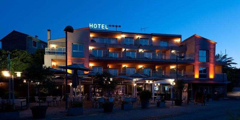 Sejur Corsica iunie bilet de avion si hotel inclus